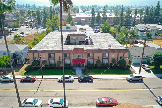 193 W. Park Ave. Photo courtesy of South Coast Commercial