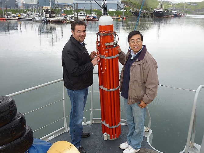 Thomas Valdez, co-inventor of Seatrec's core technology, with Yi Chao testing a prototype. Photo courtesy of Yi Chao.